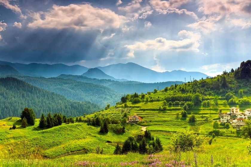 See why the British holidaymakers choose Bulgaria when it comes to summer or winter vacation!